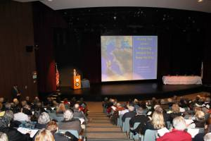 Event photo John Englander and audience